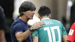 Löw wusste vorab nicht von  Rücktritt Özils