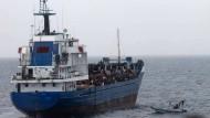 Hilfsorganisationen befürchten 400 tote Flüchtlinge