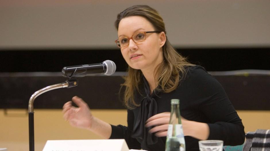Michelle Müntefering tritt gegen Anke Hildenbrand an, hier bei einer Diskussionsveranstaltung im SPD-Ortsverein Röhlinghausen und Wanne Süd