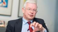 Der ehemalige hessische Ministerpräsident Roland Koch (Archivbild)