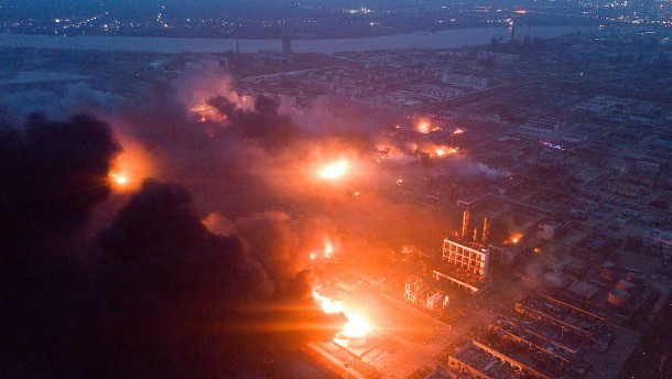 China-Mindestens-44-Tote-bei-Explosion-in-Chemiewerk