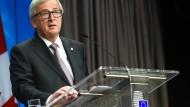 EU-Kommissionspräsident Jean-Claude Juncker Ende hält Oktober 2016 eine Rede. nachdem der Ceta-Verhandlungsmarathon ein erfolgreiches Ende gefunden hat.