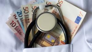 Wieso Finanzberatung in staatliche Hände gelegt werden sollte