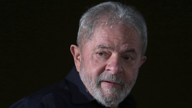 Brasiliens ehemaliger Präsident Lula zu neun Jahren Haft verurteilt