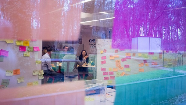 Wie biedere Konzerne kreativ werden wollen