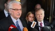 Nicht einbestellt, sondern eingeladen: Außenminister Witold Waszczykowski mit dem deutschen Botschafter Rolf Nikel