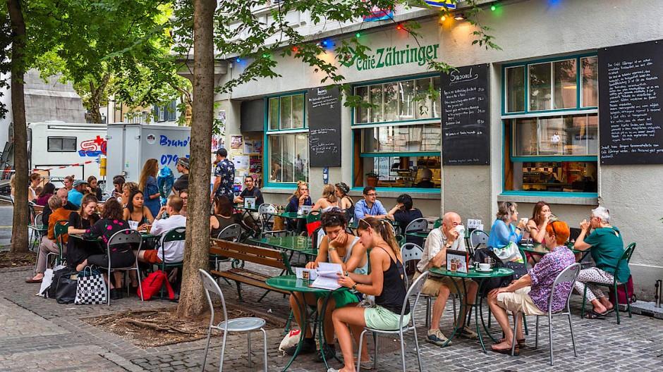 Teures Vergnügen: Restaurant in der Schweiz im Züricher Stadtteil Niederdorf