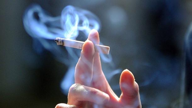 Mediziner warnen Raucher vor Erkrankung mit Covid-19