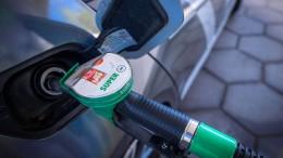 Britischen Tankstellen geht das Benzin aus