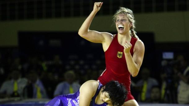 Aline Focken gewinnt Gold