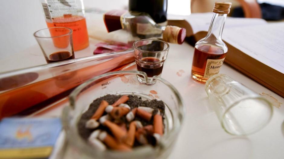 Trostloser nächster Morgen: Im Kater-Museum in Zagreb sind Gegenstände ausgestellt, die von alkoholreichen Abenden erzählen.