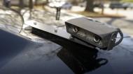 Kameravorrichtung auf einem Polizeiwagen in Amerika. Mit diesem System können Kennzeichen in Datenbänken erfasst werden.