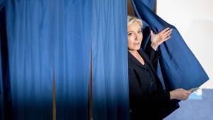 Spitzenkandidaten haben ihre Stimme abgegeben