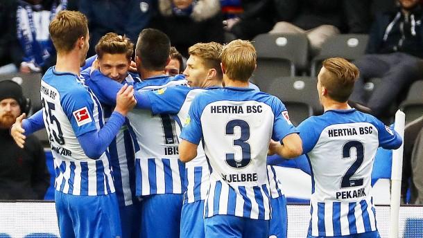 Hertha siegt durch Standardklasse