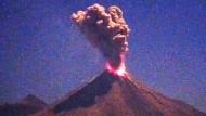 Vulkan Colima bricht abermals aus