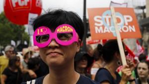 Zehntausende protestieren gegen Macrons Politik