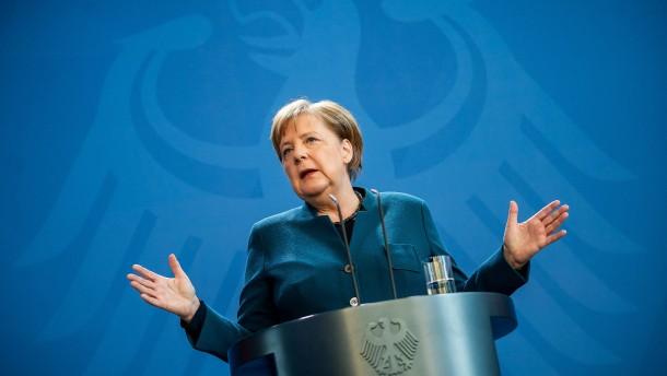 Mehrheit der Deutschen mit Krisenmanagement der Regierung zufrieden
