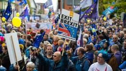 Zehntausende protestieren in Manchester gegen Brexit