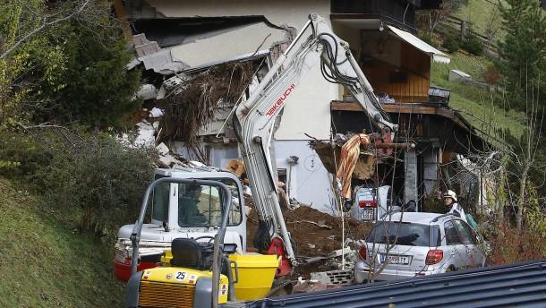 Häuser durch Gerölllawine in Österreich beschädigt