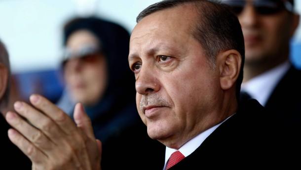 Bundesregierung weist türkischen Satire-Protest zurück