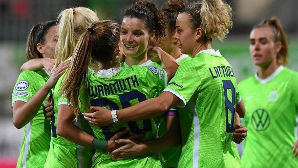Wolfsburg siegt locker