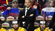 Bundestrainer Marco Sturm beim Spiel gegen Russland während der Eishockey-Wm