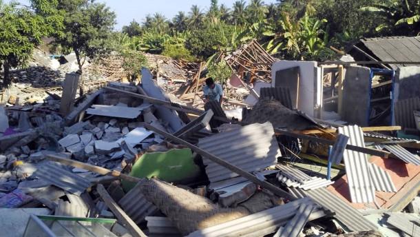 Tsunami trifft Indonesien
