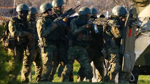 Russen besetzen Militärbasis Belbek