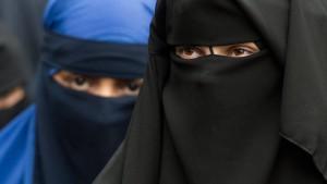 Mit der Burka im Netz