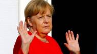 Bundeskanzlerin Angela Merkel (hier am Dienstag in Meseberg) sucht im Asylstreit nach einer europäischen Lösung.