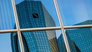 Deutsche Bank schafft einen kleinen Gewinn