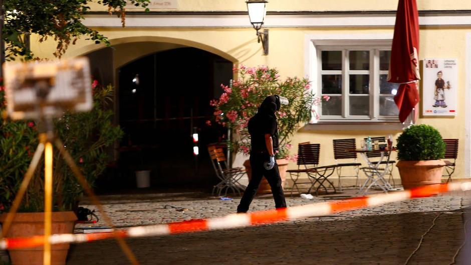 Der Ort, an dem der mutmaßliche Täter, ein 27 Jahre alter Syrer, am Sonntagabend eine Bombe zündete