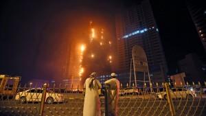 Wohntürme in Flammen