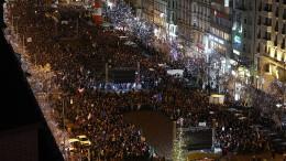 Zehntausende protestieren gegen Regierungschef
