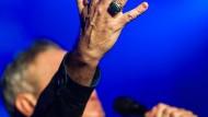 Kaum einer hat so treue Fans wie Morrissey, der Sänger der Komplexe und des Unverstandenseins. Aber seine Provokationen vertreiben sie mehr und mehr.