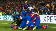 Spanischer Jubelhaufen: Bei Barcelona geht es nach dem 6:1 drunter und drüber