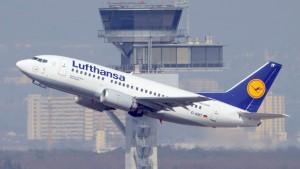 Konzernumbau lastet auf Lufthansa