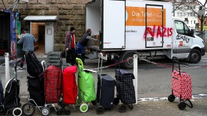 Merkel: Tafeln sollten bedürftige Ausländer nicht ausschließen