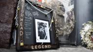 Stilechtes Gedenken an Lemmy Kilmister