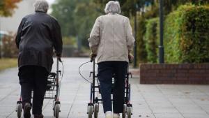 Rechnungshof warnt vor Geldverschwendung beim Rentnerausweis