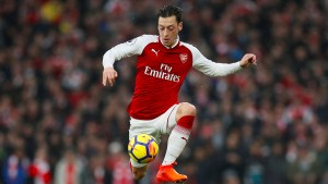 Özil führt Arsenal zum Prestige-Sieg