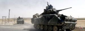 Türkische Panzer kehren nach ihrem Einsatz in Syrien zurück.