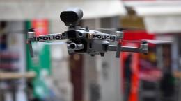 Polizei-Drohne kontrolliert in Marseille