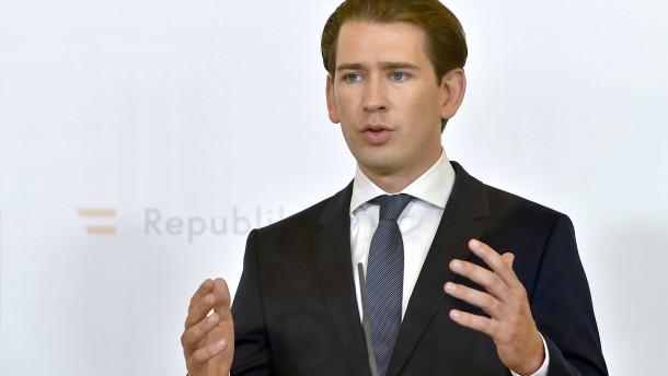 Kurz kündigt für Österreich zweiten Lockdown an