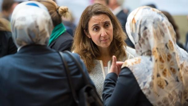 "Staatsministerin mahnt zu ""Augenmaß"" bei Islamistenverfolgung"