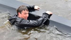 Ministerpräsident McAllister geht baden