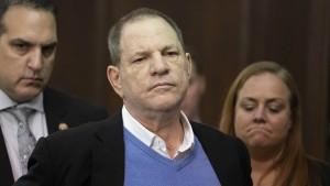 Grand Jury klagt Weinstein wegen Vergewaltigung an