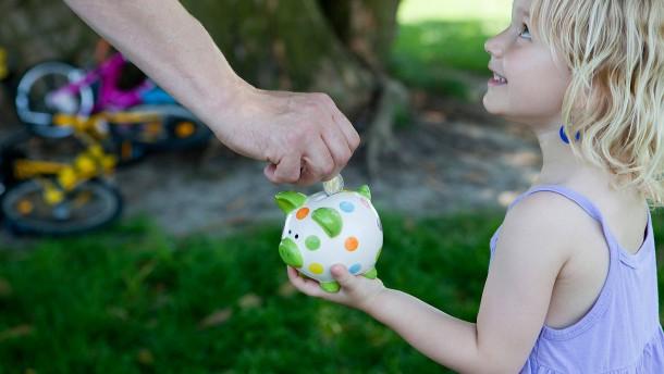 Sparer, achtet auf den Zinseszins