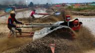 Thailändische Landwirte liefern sich Traktor-Rennen