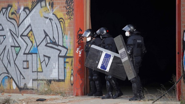 Illegale Silvesterparty bei Barcelona aufgelöst